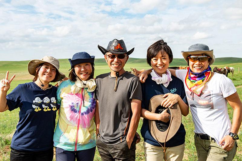 モンゴル高原での集合写真